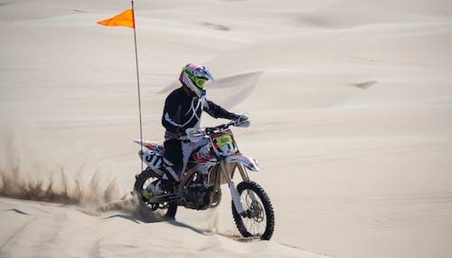 Gratis stockfoto met duinen, durfal, motor, motorcross
