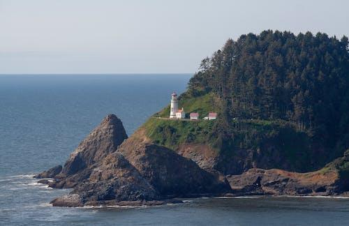 Бесплатное стоковое фото с архитектура, берег, вода, волны