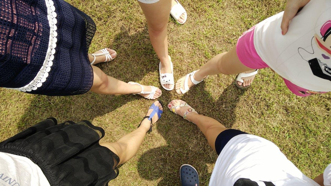 feet, friends, legs