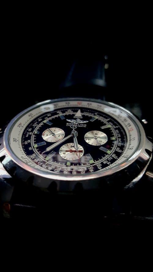 Foto d'estoc gratuïta de desig, dissenyador, mirar, Rellotge analògic