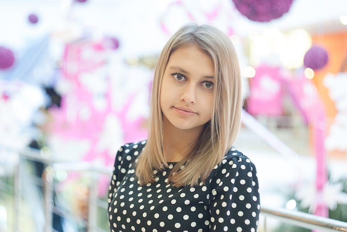 Základová fotografie zdarma na téma adolescent, blond, dáma