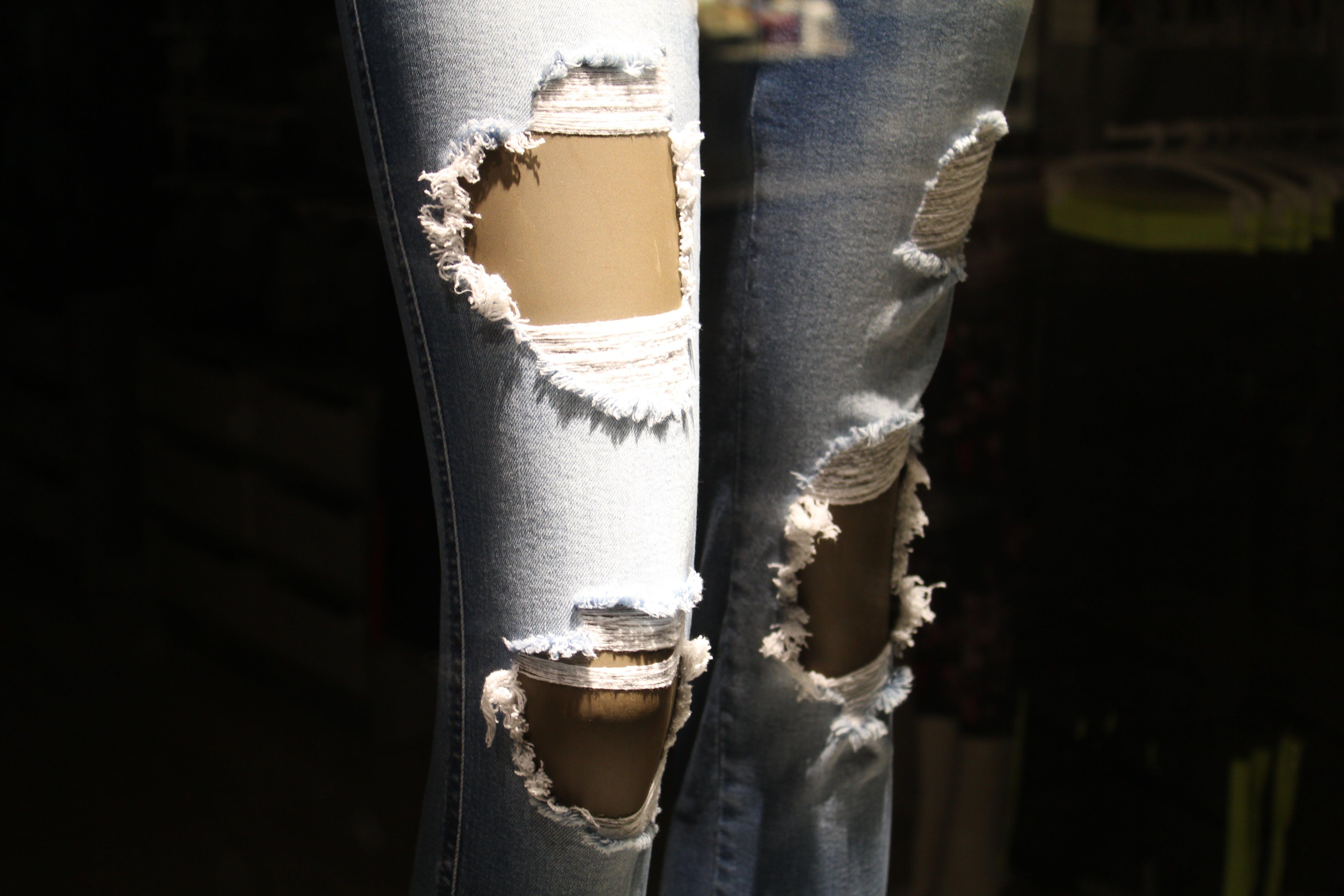 Free stock photo of fashion, woman, legs, jeans