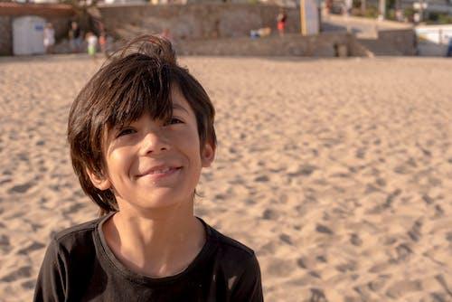 Безкоштовне стокове фото на тему «samiling, відпустка, дитина, латинський хлопчик»
