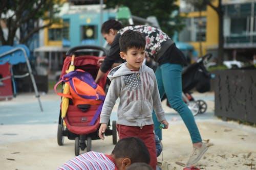 Бесплатное стоковое фото с игровая площадка, мальчик, ребенок