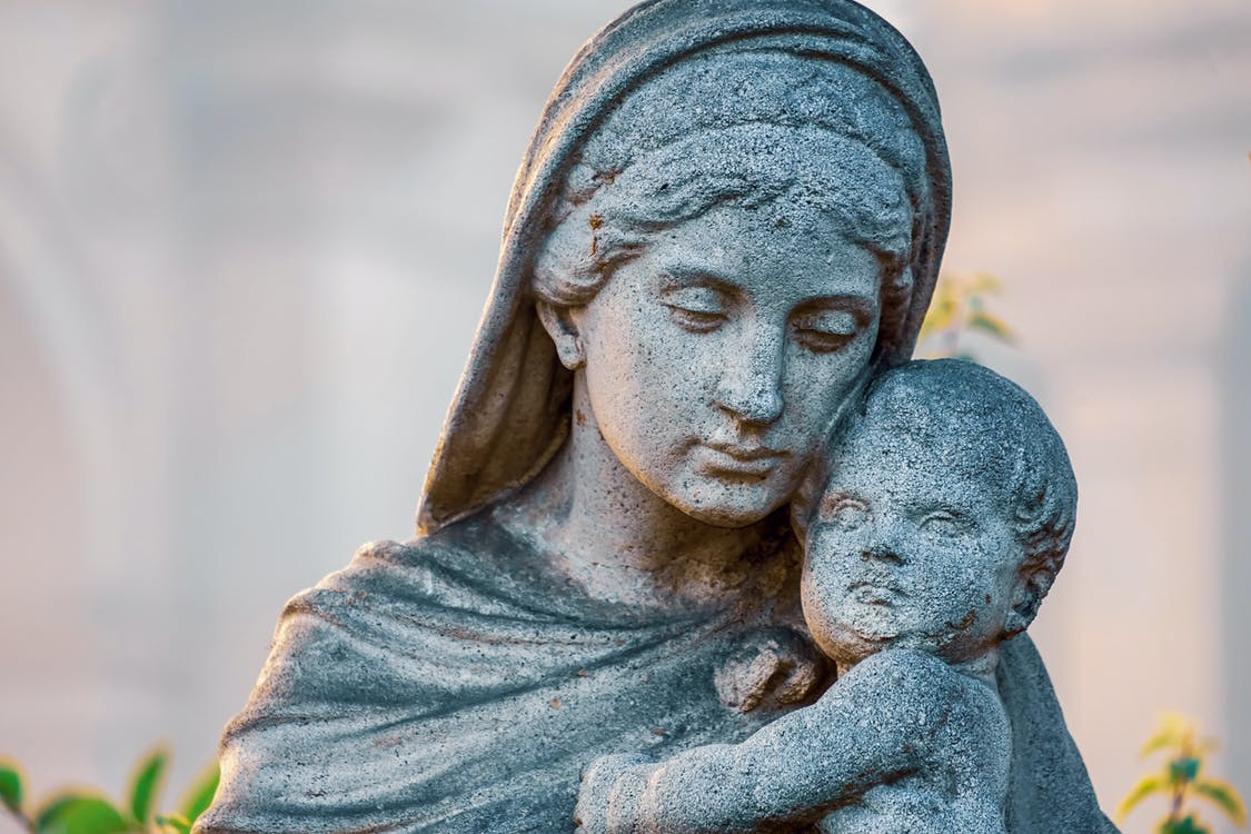 Mother And Child Concrete Statue