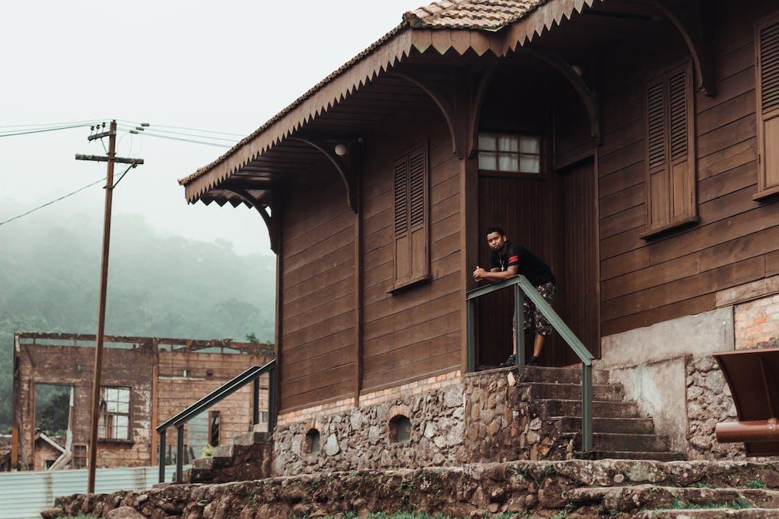 casa de madeira, janelas, город