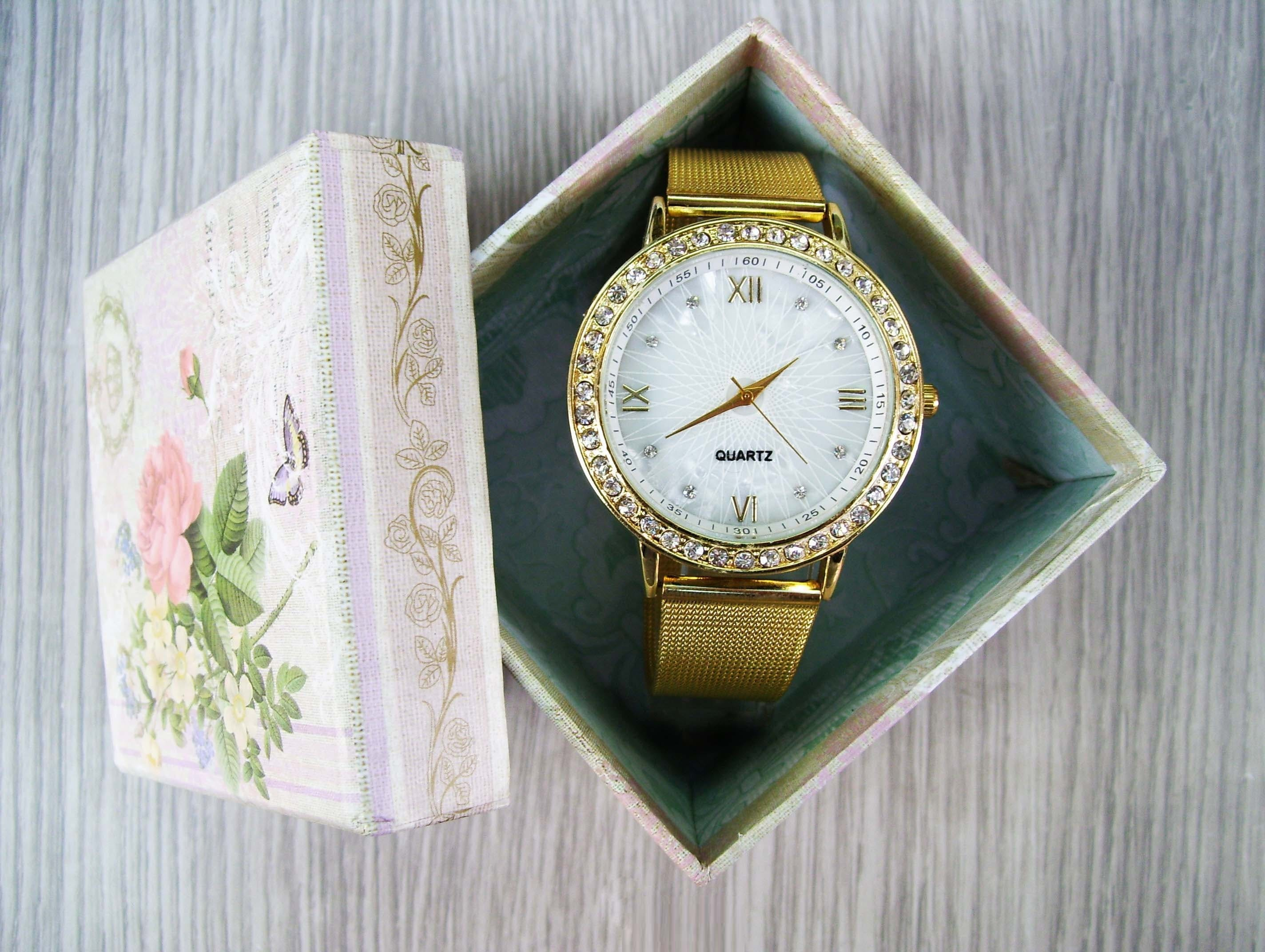 Gold-colored Analog Watch With Gold Band