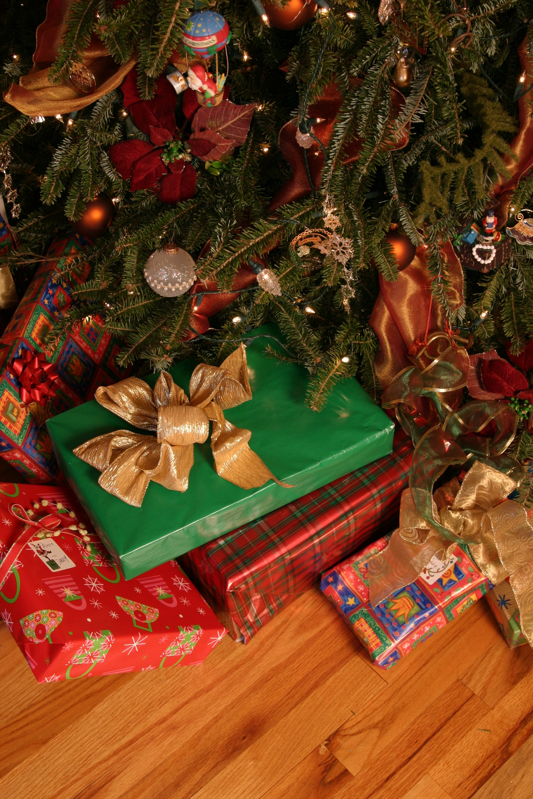 Free stock photo of holiday, winter, gift, decoration