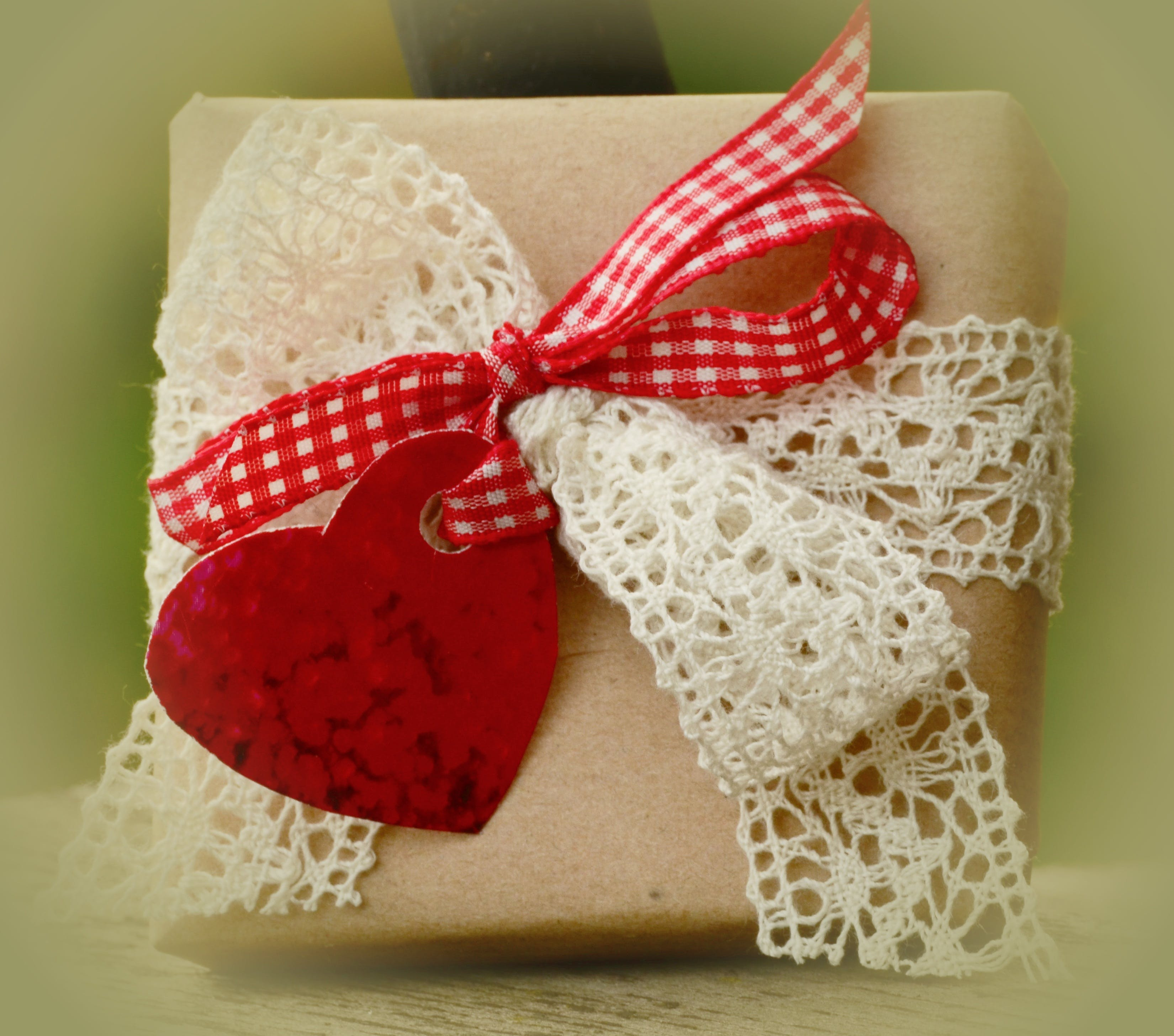 Red and White Ribbon Box