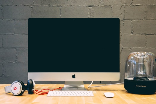 Kostenloses Stock Foto zu weltraum, schreibtisch, büro, arbeiten