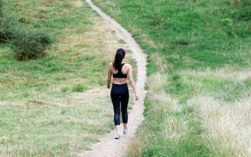 Foto stok gratis aktif, aktivitas, atlet, berjalan