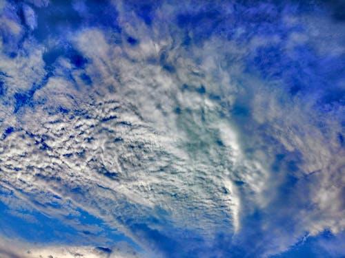 Foto d'estoc gratuïta de blau clar, cels ennuvolats, núvol, núvols blancs