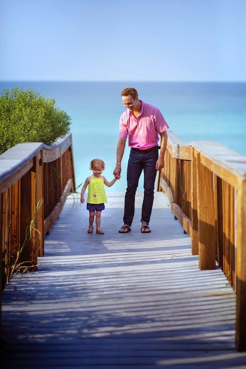 คลังภาพถ่ายฟรี ของ ครอบครัว, ชายหาด, ทราย, ทางเดินกระดาน