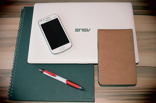 Foto stok gratis asus, buku agenda, gadget, laptop