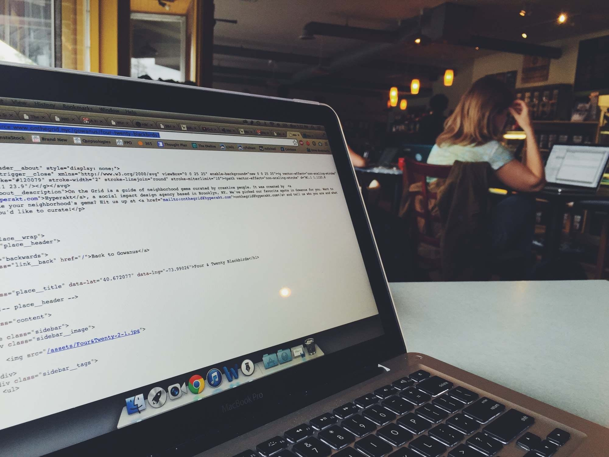 Free stock photo of laptop, working, macbook, café