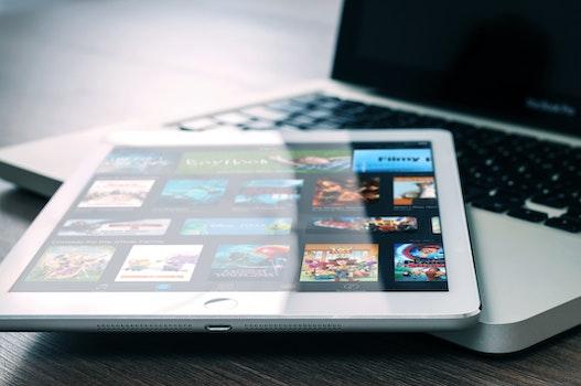 Kostenloses Stock Foto zu technologie, ipad, tablet, app