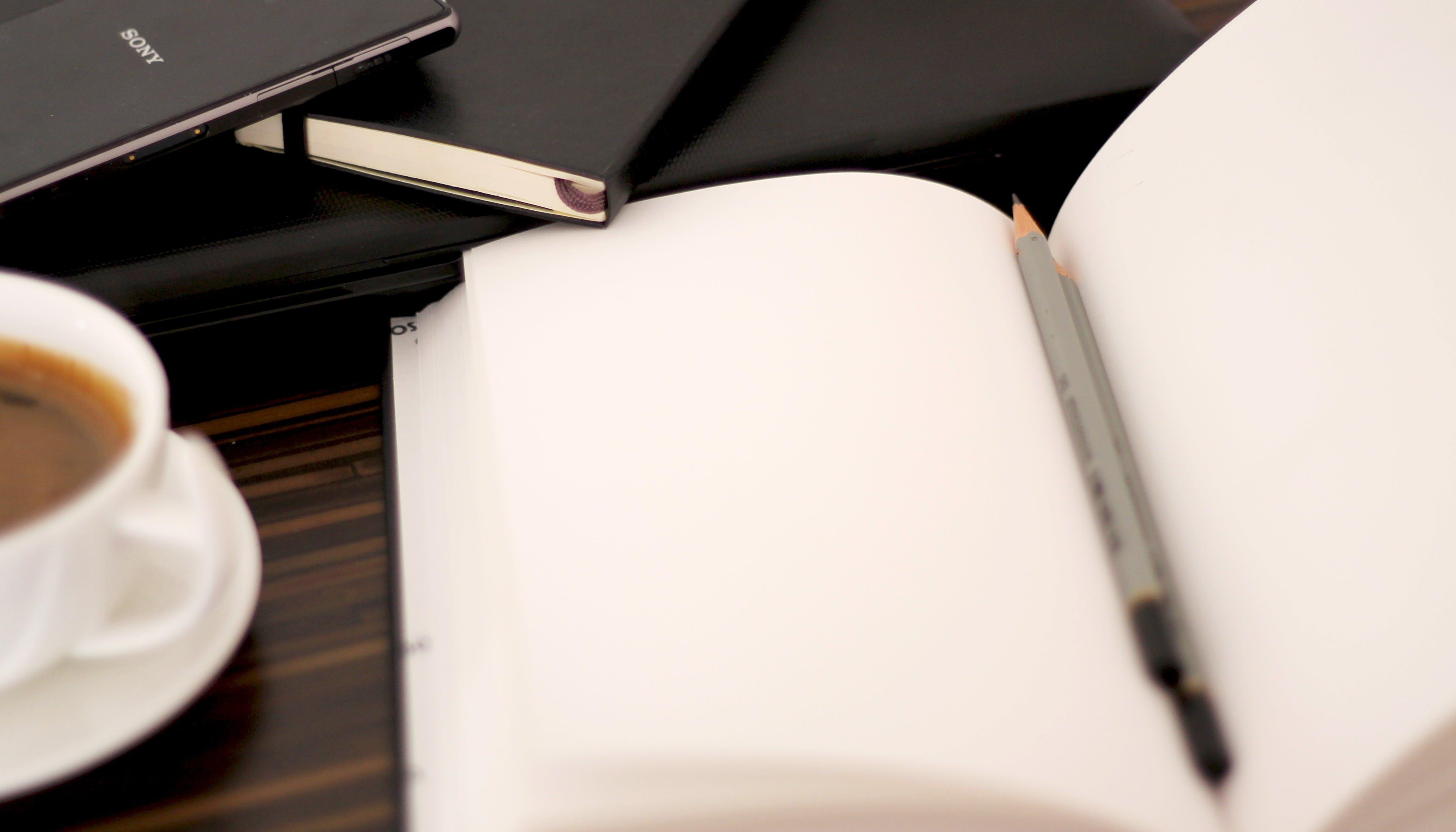 Gratis lagerfoto af blyant, kaffe, kop, krus