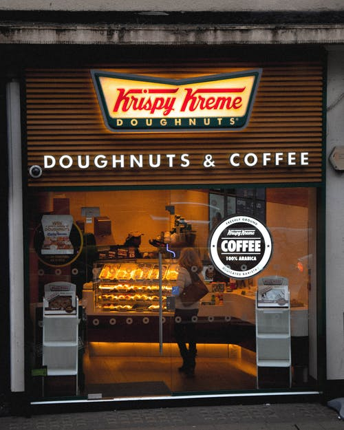Photos gratuites de aliments, boutique, donut, krispy kreme