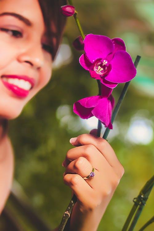Foto profissional grátis de atraente, bonita, broto, flora