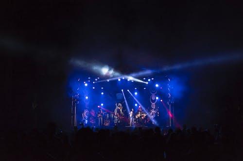 Foto d'estoc gratuïta de actuació, banda, concert, entreteniment