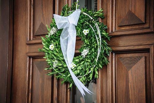 Gratis stockfoto met binnenkomst, bloem, deur, feest
