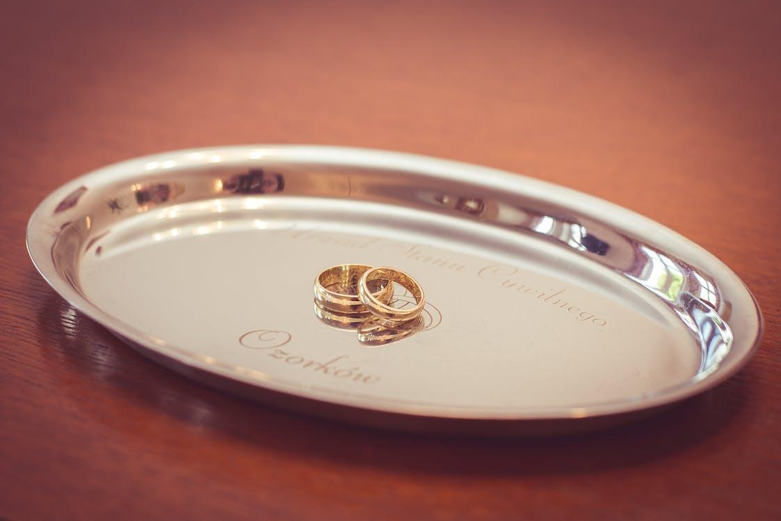 Bridal Ring Set on Oval Silver Platter