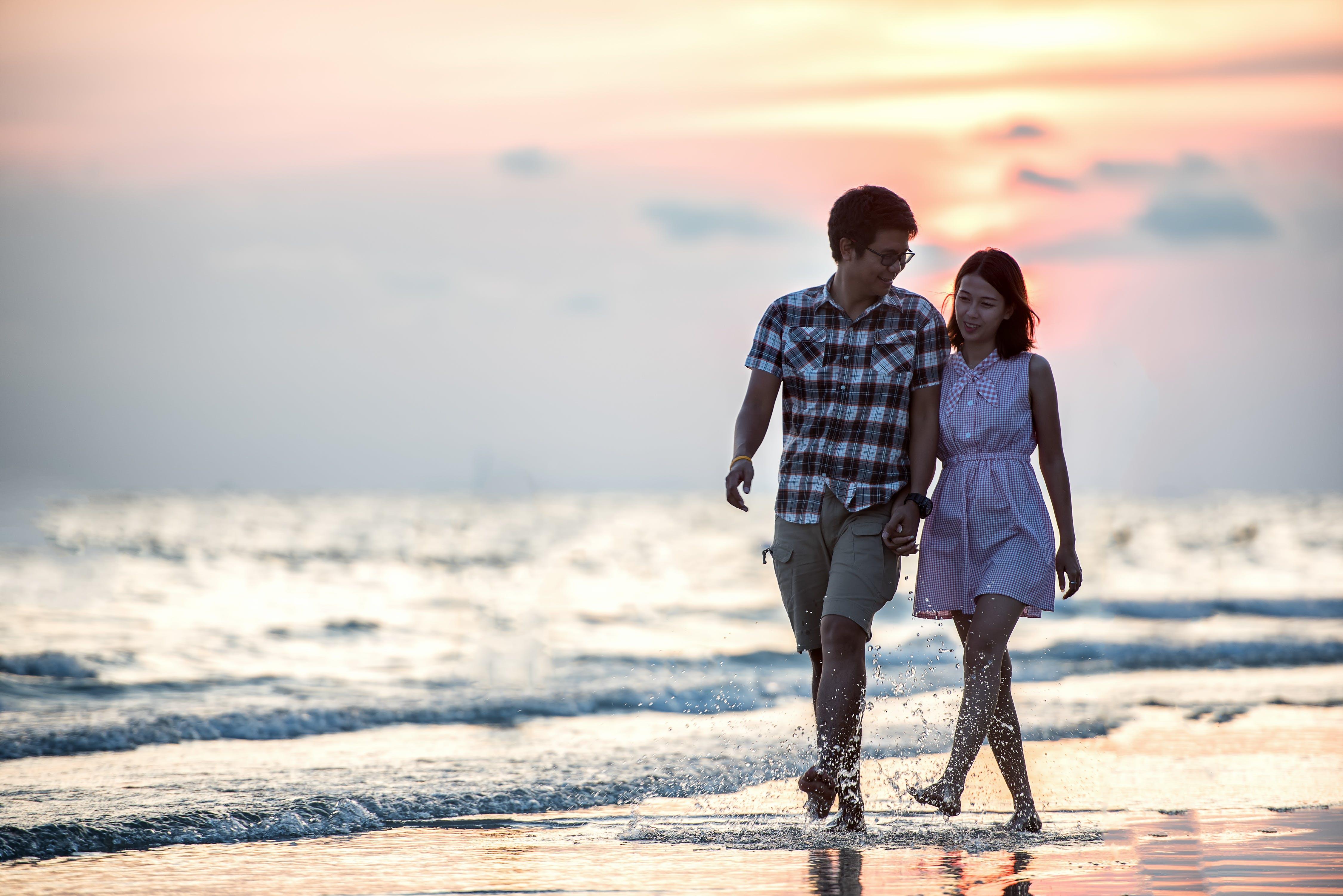 Free stock photo of beach, couple, girl, hands