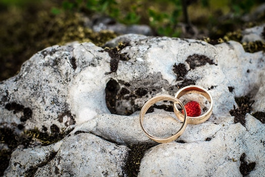Free stock photo of rock, rings, stone, wedding