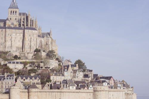 Безкоштовне стокове фото на тему «mont saint-michel, історичний, архітектура, Будівля»