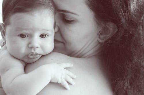 Gratis arkivbilde med baby, barn, familie, foreldre