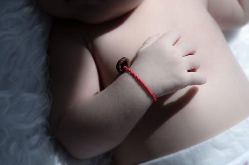 Ingyenes stockfotó baba, bőr, karkötő, kéz témában