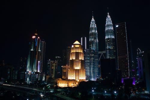 Základová fotografie zdarma na téma fotografie kuala lumpur, kuala lumpur v noci, mrakodrapy Petronas Twin Towers, yourphototrips