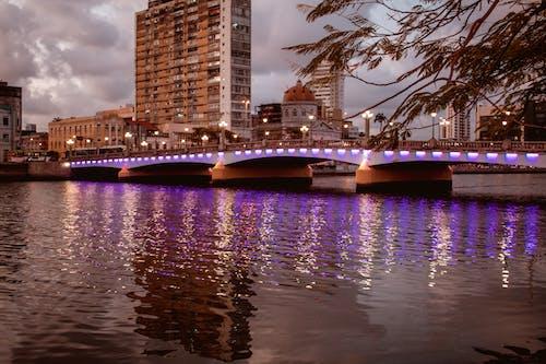 Δωρεάν στοκ φωτογραφιών με αντανακλάσεις φωτός, αντανάκλαση, γέφυρα, δύση του ηλίου