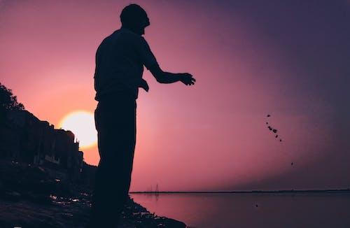 Gratis lagerfoto af aftenhimmel, asiatisk mand, HD-baggrund, kaste