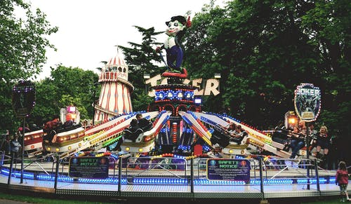 Photos gratuites de amusement, arbres, brillant, carnaval