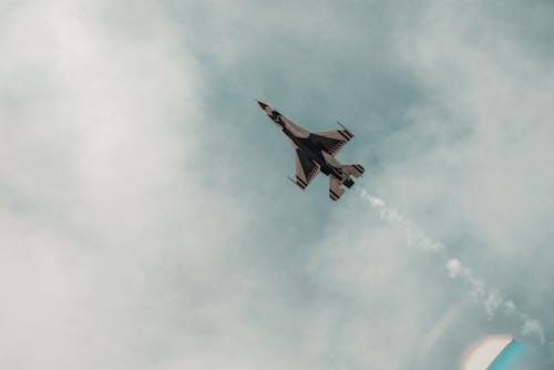 Безкоштовне стокове фото на тему «Thunderbird, акробат, реактивний винищувач»