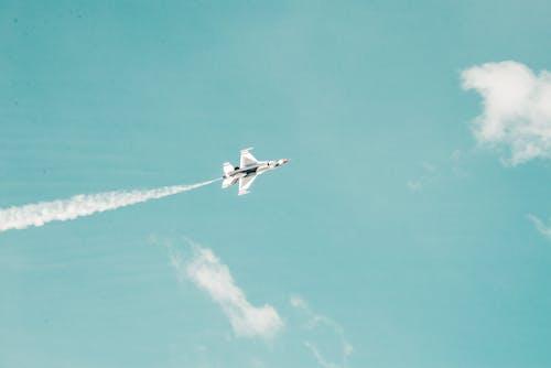 Безкоштовне стокове фото на тему «Thunderbird, винищувачі, літати»