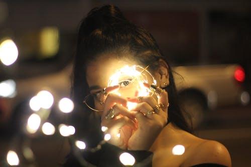 Fotobanka sbezplatnými fotkami na tému LED, LED svetlá, mestské osvetlenie, mestských svetiel