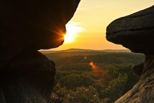 Foto stok gratis alam, backlit, batu, cahaya