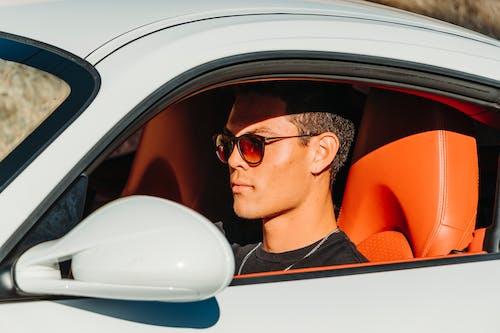 Photos gratuites de homme, lunettes de soleil, modèle, voiture