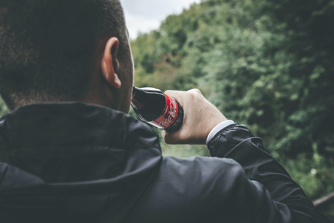 Coca-Cola, безалкогольний напій, вид ззаду
