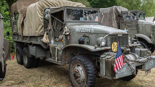 Foto stok gratis angkutan, ban, diparkir, kendaraan militer