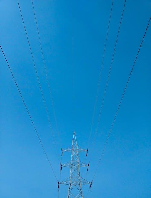 Immagine gratuita di azzurro, cavi elettrici, cielo, elettrico