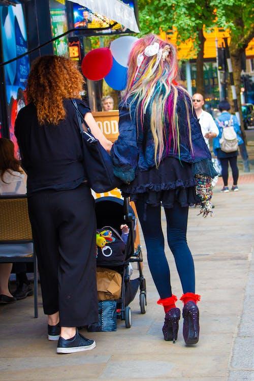 도시 경관, 머리 색깔의 무료 스톡 사진