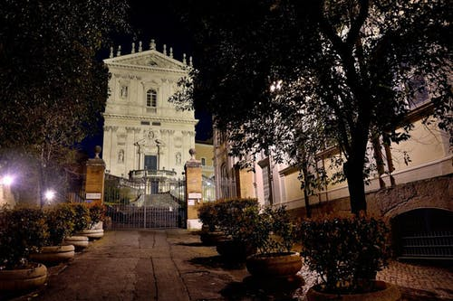 Fotobanka sbezplatnými fotkami na tému kostol, noc, Rím, Taliansko