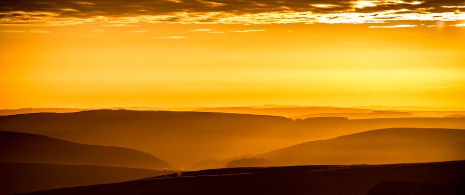 Dawn desert dusk gold