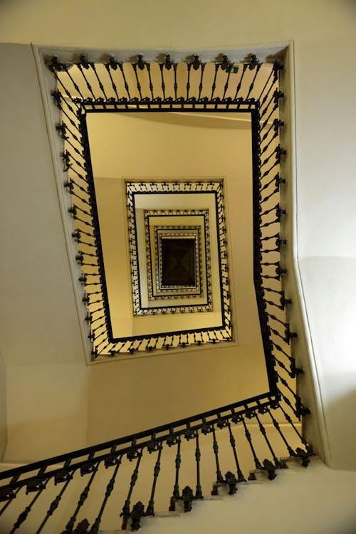 Fotobanka sbezplatnými fotkami na tému hotel, námestie, Rím, schodisko
