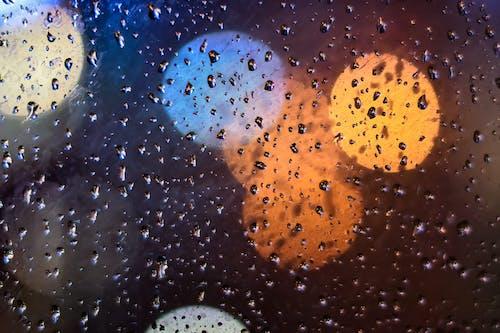 Imagine de stoc gratuită din 下雨, 夜景, 水珠, 灯光