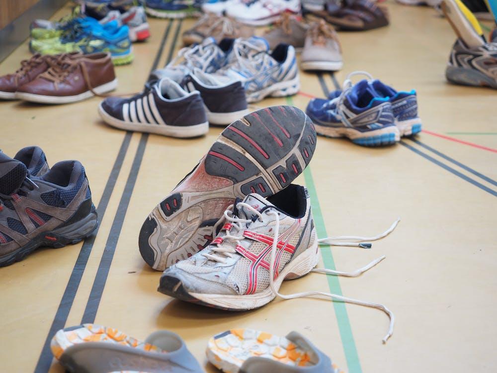 baskets, battu, chaussures de course