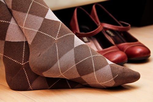 Fotos de stock gratuitas de adentro, calcetines, calzado, color